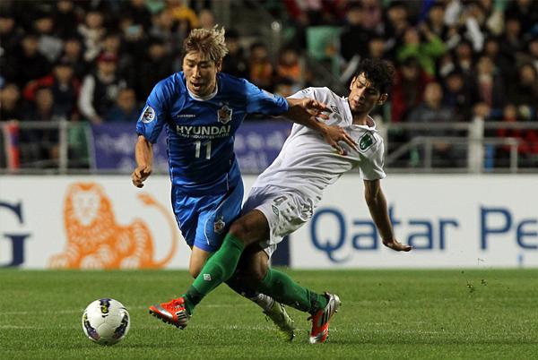 El Ulsan se plantó mejor en su campo para vencer con claridad y sin problemas al Al-Ahli (Foto: AFP)