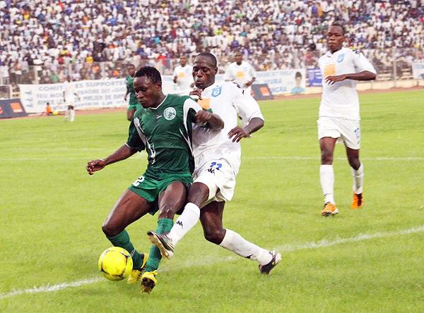 Coton Sport de Garoua, de uniforme verde, ha dominado el fútbol de Camerún en las últimas dos décadas (Foto: cotonsportfc.com)