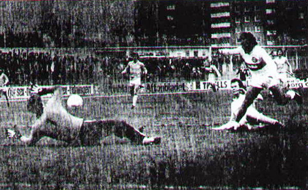 Ataque de Olimpia sobre el arco del Malmö en el partido de ida de la Copa Intercontinental (Foto: franjeado.com)