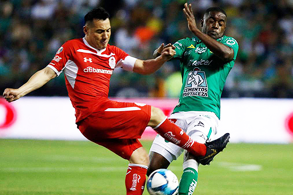León y Toluca (Foto: AFP)