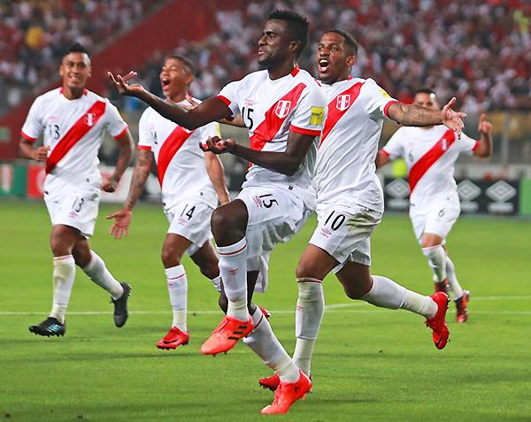 Christian Ramos celebra el 2-0 que sentenció el partido. (Foto: Andina)