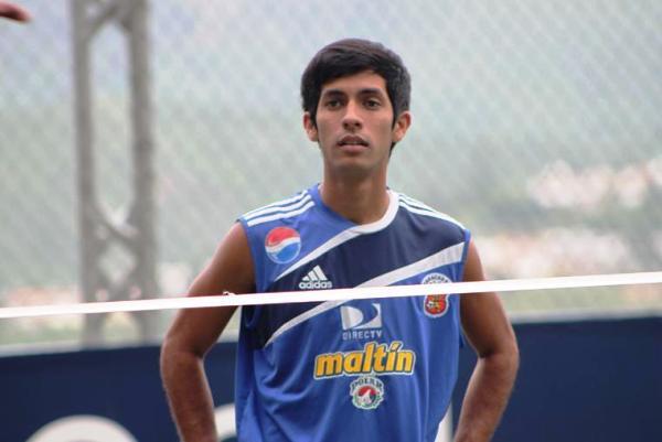 A prestarle atención a este juvenil del Caracas FC. Se llama Horacio Cárdenas, nació en Anzoátegui y, actualmente, es una de las promesas del fútbol venezolano (Foto: futurovinotinto.com)