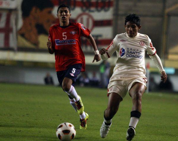 Figura en la primera edición, en esta Edison Flores será reservado para alternar en el primer equipo crema (Foto: ANDINA)