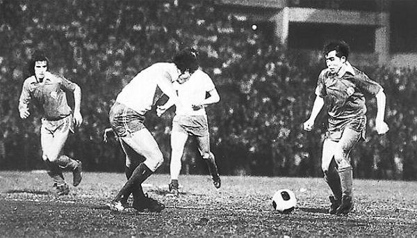 Ricardo Bochini en 1975 durante la final de la Libertadores que enfrentó a Independiente contra la Unión Española (Foto: pasionlibertadores.com)