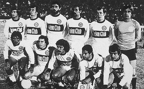 El equipo campeón de Olimpia en el que destaca como arquero Éver Hugo Almeida, actual técnico del 'Decano' (Foto: pasionlibertadores.com)