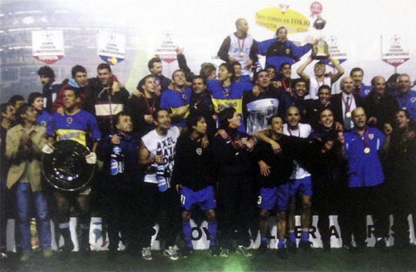 Pereda cerró su ciclo en Boca como campeón de la Libertadores (Recorte: revista El Gráfico Perú)