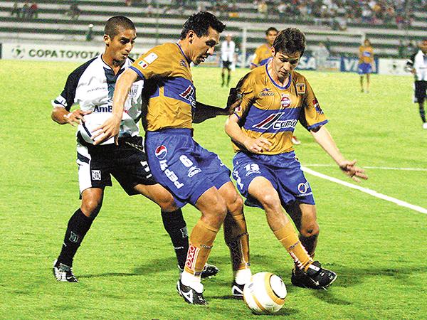Tigres se enfrentará a la 'U' de Sucre. El cuadro del 'Tuca' Ferretti espera superar lo hecho en 2005 (Foto: diario El Horizonte de México)