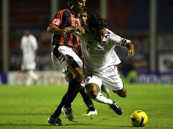 La última Copa Libertadores en la que San Lorenzo realizó una aceptable campaña fue la del 2008, cuando llegó a Cuartos de Final. En esa instancia los de Boedo cayeron por penales ante la Liga de Quito, campeón de esa edición (Foto: wordpress.com)
