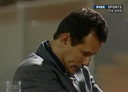 Las cavilaciones de Reynoso robaron hasta las pantallas internacionales (Captura: Fox Sports Americas)