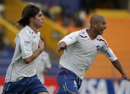 Fornaroli, asistido por Ligüera, anotó el tanto uruguayo antes de los 10' de juego (Foto: EFE)
