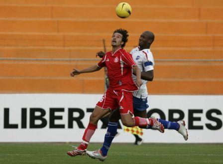 El mexicano Ostersen no pudo evitar la rápida apertura del marcador por parte del cuadro charrúa (Foto: EFE)