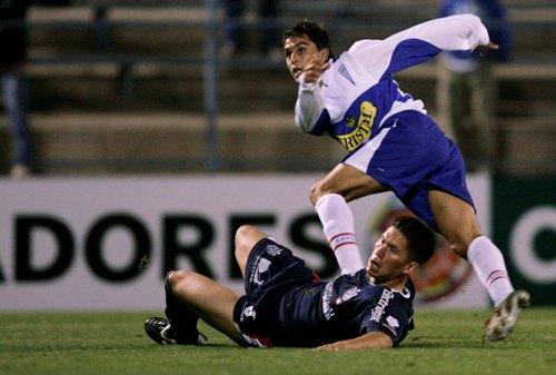 El remate de Gutiérrez hace estéril la barrida del 'Chino' Contreras y decreta la victoria cruzada a un minuto del final (Foto: Reuters)