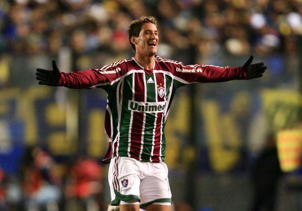 Thiago Neves festeja su gol de empate en Avellaneda, que bien podría valerle a Fluminense el acceso a la final (Foto: MEXSPORT)