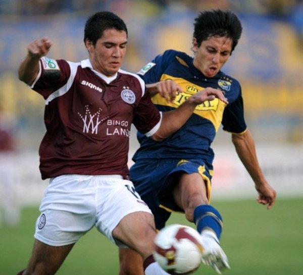 INFRUCTUOSO. Ledesma ingresó en el segundo tiempo, pero no pudo conseguir que Lanús pasara del empate en su visita a Everton en el Sausalito (Foto: EFE)