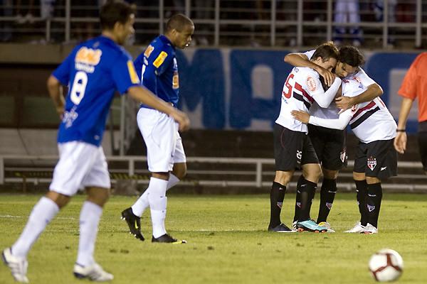 Con Hernanes y Dagoberto como figuras, Sao Paulo eliminó a Cruzeiro de la Libertadores 2010 (Foto: AFP)