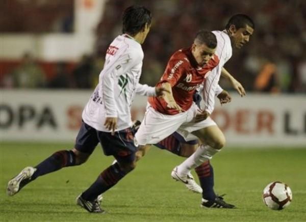 Andrés D'Alessandro, la pieza más importante del Inter que derrotó a Chivas y se erigió como el nuevo campeón de la Copa Libertadores (Foto: AP)