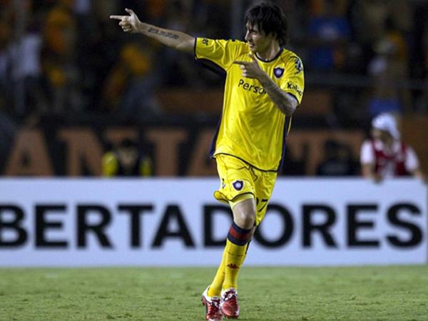 CASI GANADO. Jonathan Fabbro anotaba para Cerro Porteño y todo parecía que el elenco paraguayo se llevaba un resultado muy positivo en su visita a México. (Foto: Mexsport)