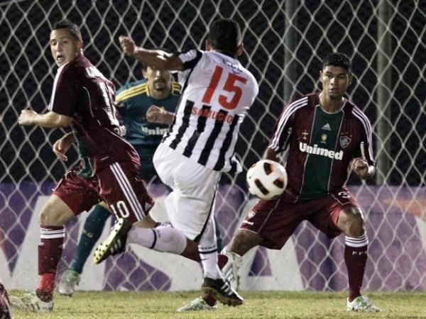 NO ERA UN MILAGRO. Libertad tenía que remontar el 3-1 en Brasil y logró hacerlo con el gol de Miguel Ángel Zamudio, quien ponía el segundo en Asunción. (Foto: Reuters)
