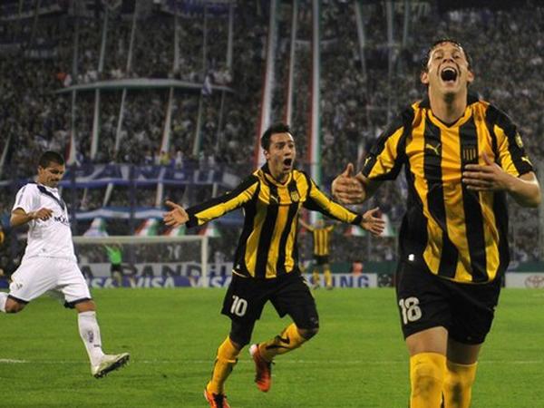 Martinuccio y Mier han sido jugadores importantes en la campaña del manya. (Foto: Reuters)
