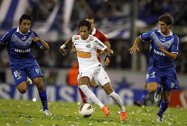 El solo hecho que Neymar juegue en el Santos hace del peixe un firme candidato en cada torneo que afronta (Foto: Reuters)