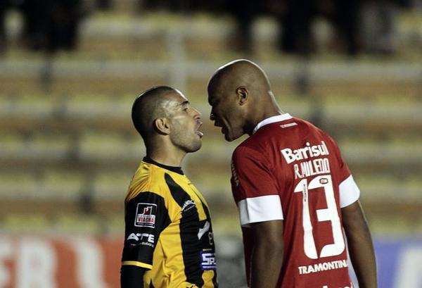 The Strongest siempre se ha topado con cuadros más grandes que le pusieron límite a su aspiración copera, tal como en la actual edición en la que el Internacional de Porto Alegre se hizo del segundo cupo del Grupo 1 (Foto: Reuters)