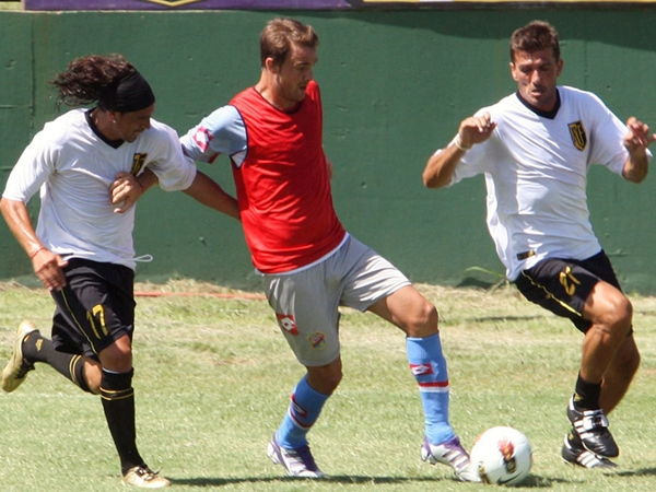Apenas fue un amistoso de pretemporada, pero la derrota ante Flandria, un equipo de la tercera división del fútbol argentino, causó sorpresa por la diferencia entre los equipos (Foto: Canchallena.com.ar)