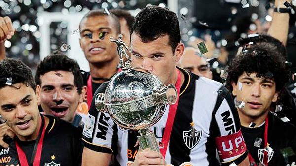 Réver se encargó de marcar la postal de ver por primera vez como campeón al Atlético Mineiro en la historia de la Copa Libertadores (Foto: Reuters)