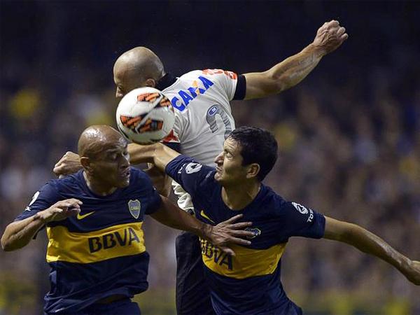 Boca apeló a todo su oficio como equipo copero para sacar adelante un partido complicado ante el vigente campeón de clubes del mundo (Foto: AFP)