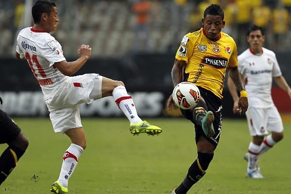 Barcelona y Toluca tuvieron un disputado encuentro que, pese a la necesidad de ambos por sumar de a tres, acabó en un amargo empate sin goles (Foto: AP)