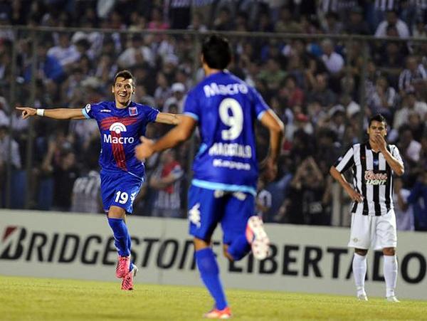 Tigre alcanzó lo que parecía complicado cuando arrancó la Copa: avanzar a Octavos de Final. Buena parte de su logro se dio gracias a Rubén Botta, conductor del equipo (Foto: AFP)