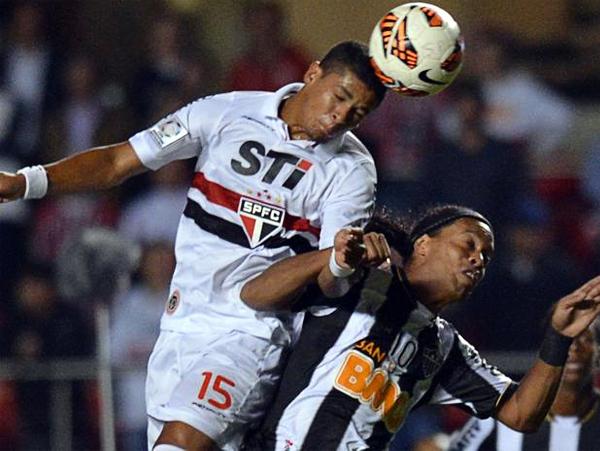 Sao Paulo se llevó de encuentro al Atlético Mineiro, gran candidato a ganar la Libertadores, para así acceder a la siguiente fase del torneo (Foto: AFP)