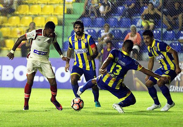 Se puede decir mucho sobre la conducta de Edwuin Gómez. Sin embargo, ha demostrado capacidad para ser un jugador valioso. (Foto: prensa Universitario)