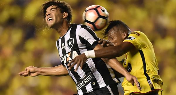 Botafogo rescató un valioso empate ante Barcelona. (Foto: AFP)