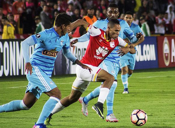 Santa Fe sacó una diferencia importante ante Cristal y lo dejó mal parado en el grupo copero (Foto: prensa Santa Fe)
