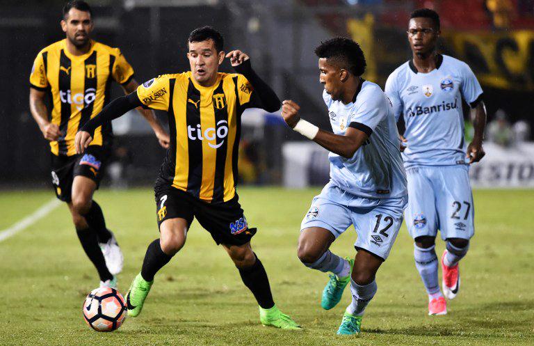 Guaraní se tuvo que conformar con un empate ante Gremio. (Foto: AFP)