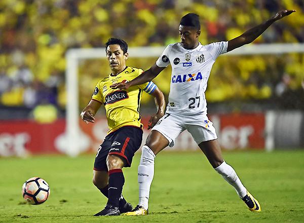 Barcelona quiere hacer historia y ganar su primera Libertadores. Por lo pronto, eliminó al favorito Santos. (Foto: Diario El Universo de Ecuador)