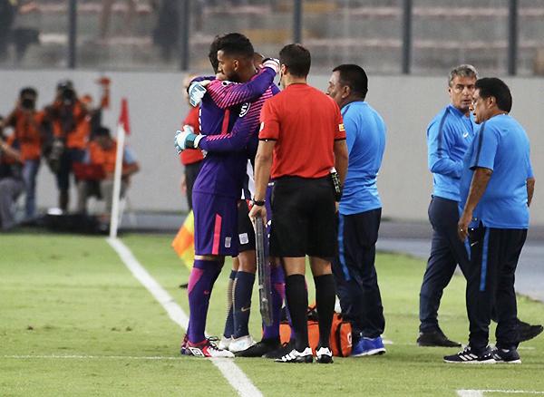 Alianza Lima pudo responder pese a la ausencia de Leao Butrón por lesión. (Foto: Pedro Monteverde / DeChalaca.com)