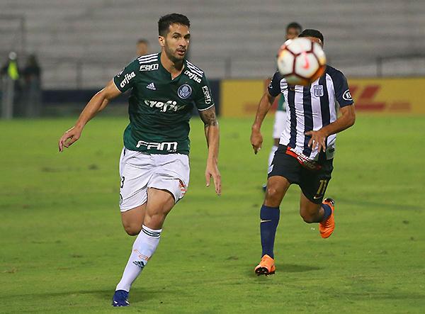 Alianza Lima tuvo un feo rostro ante Palmeiras y fue sometido. Por su parte, la defensa blanquiazul pasó vergüenza. (Foto: Andina)