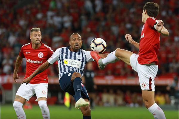 Alianza Lima no tuvo oportunidades ante un Internacional muy superior. (Foto: AFP)