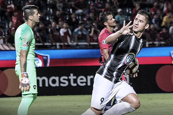 El descuento de Paiva le dio algo de emoción al partido. (Foto: Prensa Zamora FC)