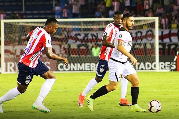 Joel Sánchez tuvo una actuación formidable en Barranquilla. (Foto: Prensa FBC Melgar)