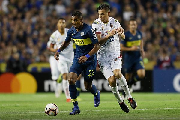 La velocidad de Villa en minutos decisivos fue clave para Boca. (Foto: AFP)