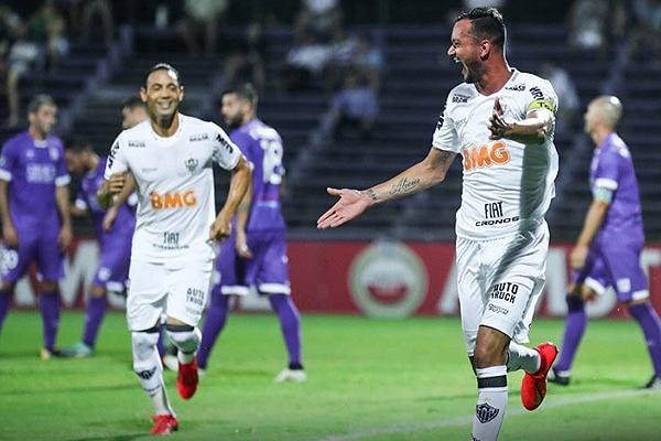 El gol de Réver hizo más fácil el trabajo de Atlético Mineiro en el Luis Franzini. (Foto: Prensa Atlético Mineiro)