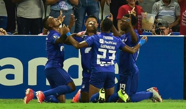 El Capwell deliró con las celebraciones eléctricas, como esta tras el gol de Godoy. (Foto: AFP)
