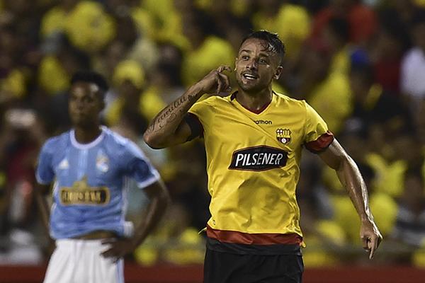Cristal sufrió en Guayaquil a manos de Barcelona una de las mayores humillaciones de las que su historia reciente tenga memoria. (Foto: AFP)
