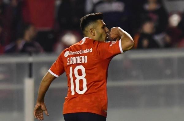 La celebración de Romero fue posible gracias a la asistencia de Pérez para el segundo tanto. (Foto: diario Olé)