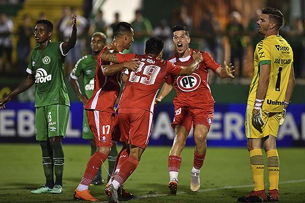 El gol de Walter Bou desató la alegría en tienda chilena. (Foto: Conmebol)