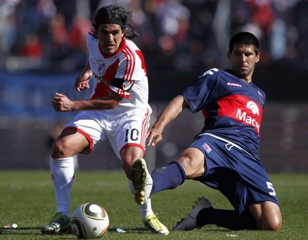 Con la participación de algunos veteranos como Ariel Ortega y Matías Almeyda, River Plate apuesta al campeonato de la mano de Ángel Cappa (Foto: Reuters)