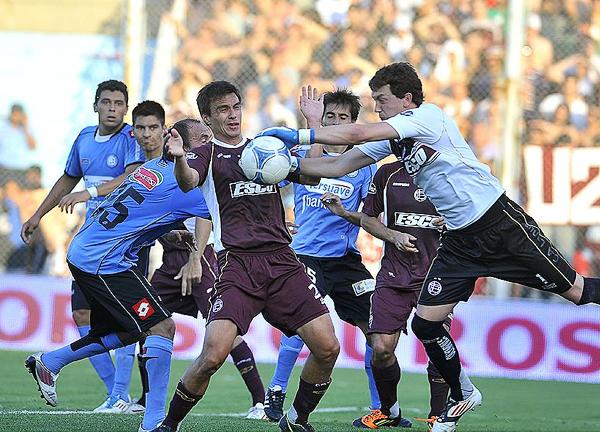 Seguir escalando posiciones parece ser la primera tarea a cumplir para Belgrano y Lanús si luego esperan soñar con alcanzar el campeonato (Foto: mundod.lavoz.com.ar)