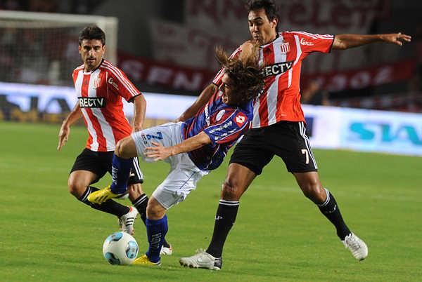 Estudiantes tendrá que bregar mucho si espera volver a la senda de los títulos, tanto o más que San Lorenzo (Foto: Télam)